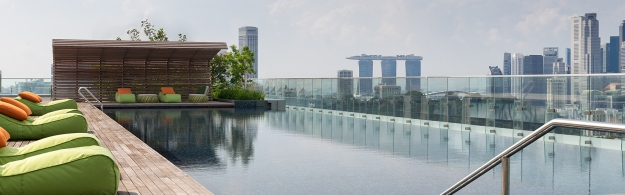 Hotel Jen Orchardgateway Singapore - Pool with panorama view