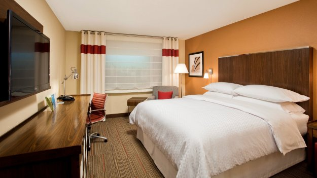 Four Points by Sheraton Las Vegas East Flamingo Guest Room